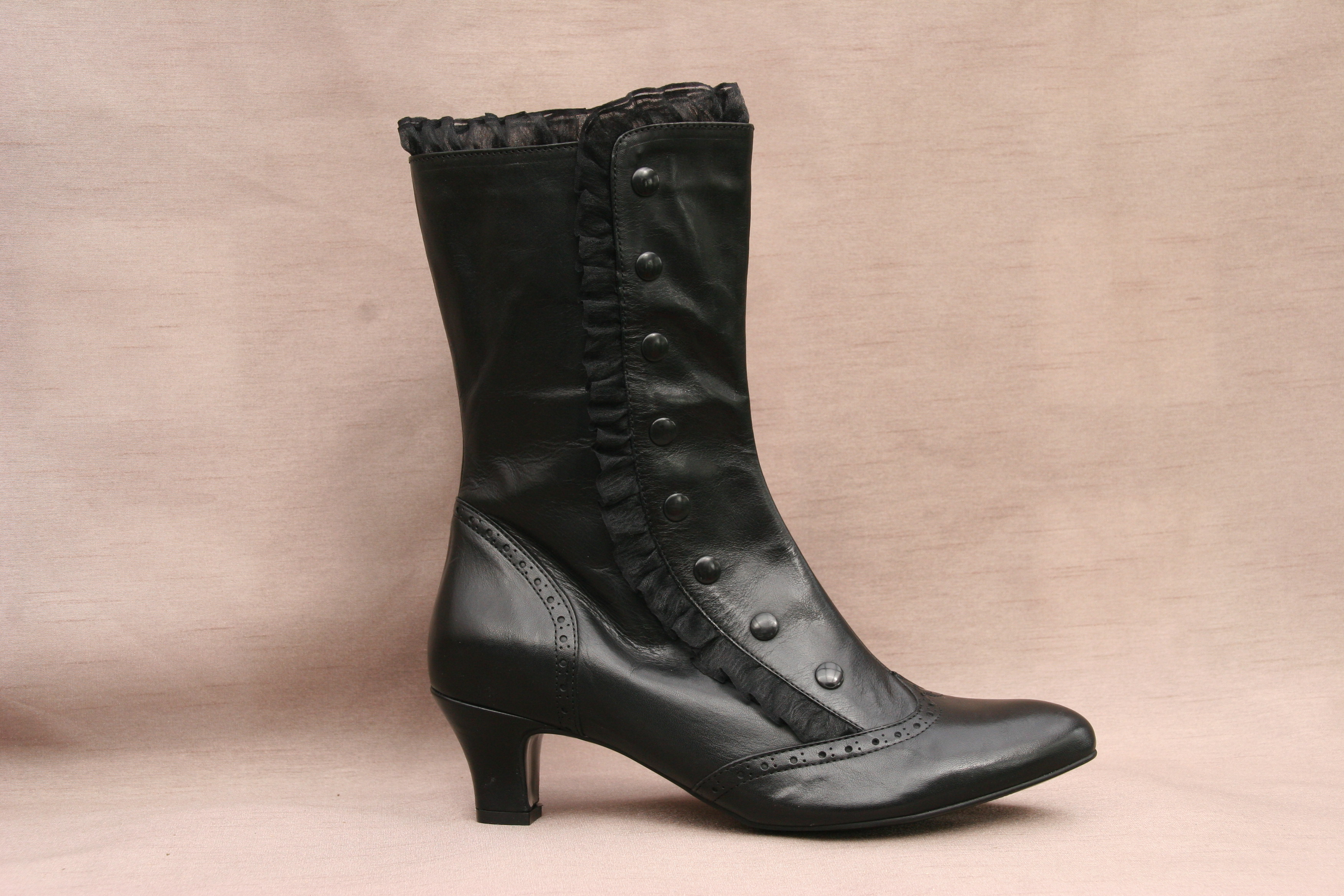 EVE (Black Leather)