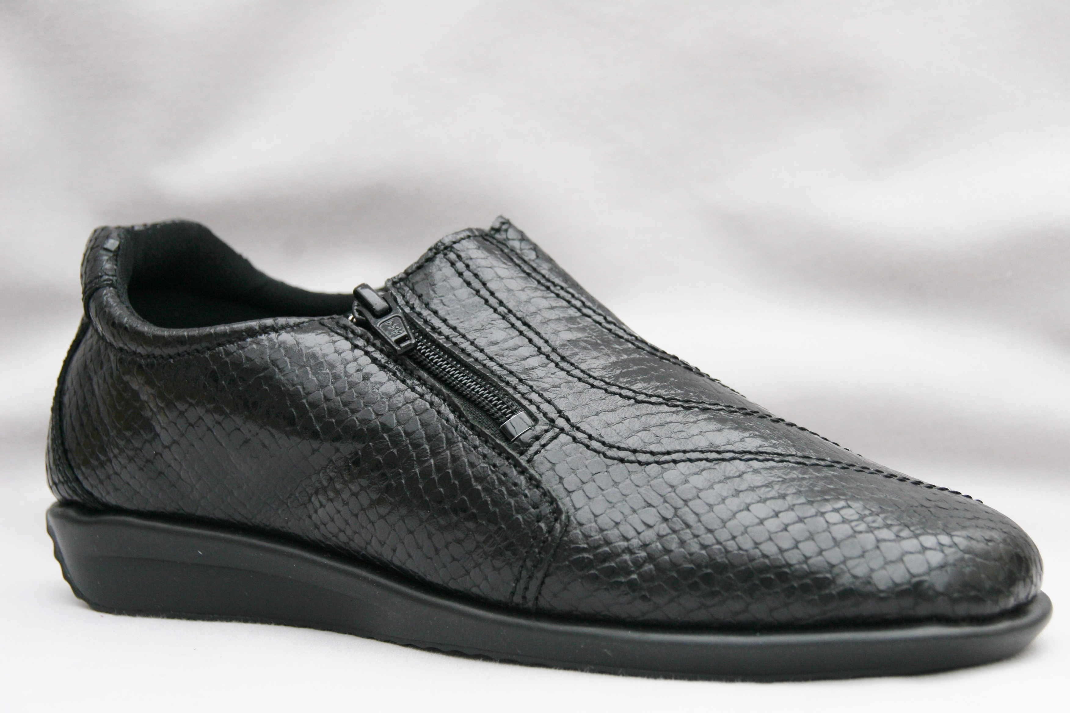 Flexishoe Black Shiny Cobra